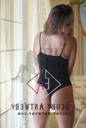 Luyana escort in Solana Beach
