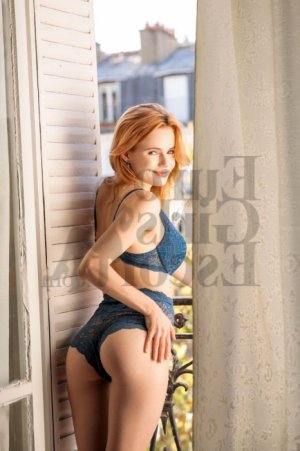 Elizaveta escort girls in Oak Grove