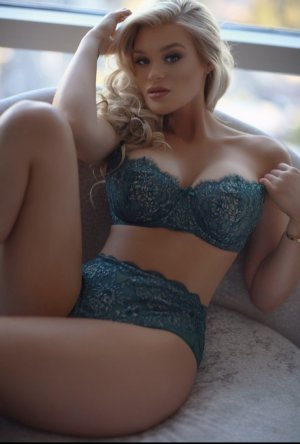 Lilouane escort girl in Milton